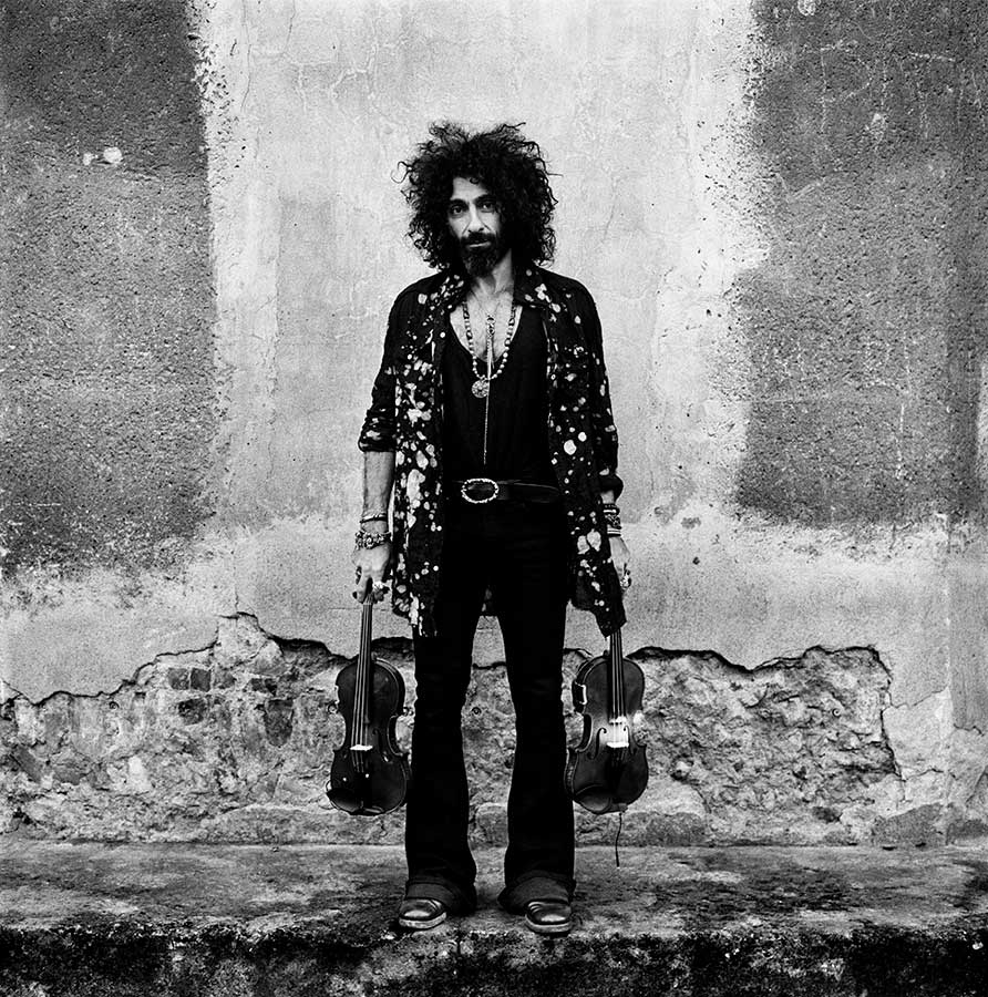 Anton Corbijn shoot Ara Malikian at Cordoba (Spain)